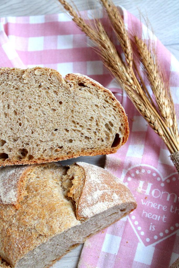 l'interno del pane con farine miste con lievito madre