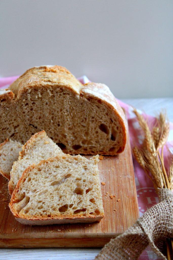 il pane con farine miste cotto su pietra refrattaria
